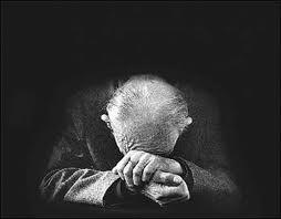 abuelo triste