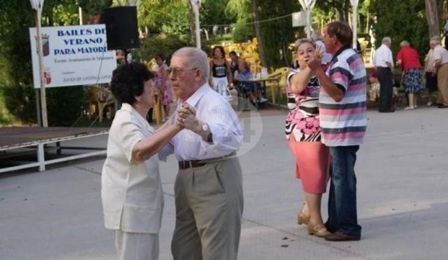 Bailes de verano para personas mayores